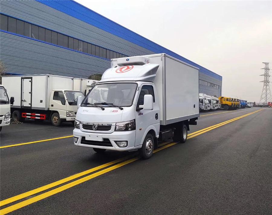 国六东风途逸冷藏车-厢长3.5米